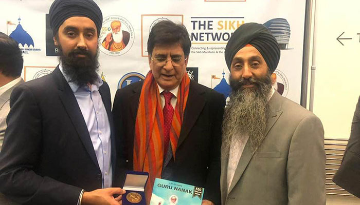 PM Imran awarded 'Lifetime Achievement award by UK Sikh groups
